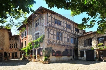 Pérouges (Ain)